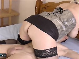 AGEDLOVE blond mature Lacey starlet