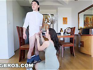 BANGBROS - cougar Chanel Preston screws daughters bf