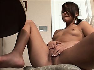 Meggan Powers plays with her raw coochie after getting drunk