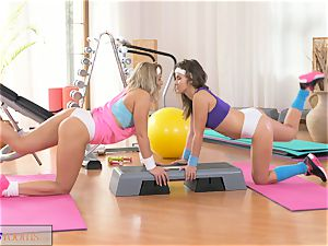 FitnessRooms insatiable lesbians get hardcore in the gym