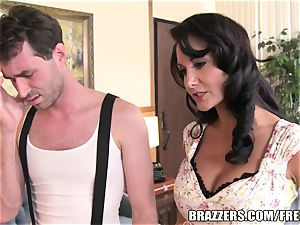 Brazzers - Ava Addams - 2 greedy mouths on His fuckpole