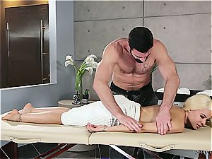 Married platinum-blonde beauty getting crazy by a beefy masseur