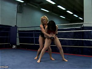 Aagell Summers and Kathia Nobili molten fight naked