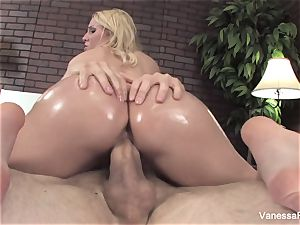 Her bubble donk gets lubricated up and then she gets smashed