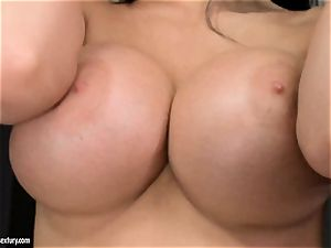 Aletta Ocean threeway as she deepthroats off a couple of meatpipes