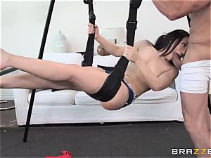 Gabriella Paltrova drills on a uber-sexy wag