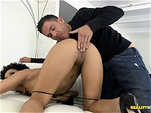 Deeply plumbing the killer babe Mia Austin