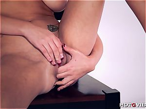 bodacious Brett Rossi uses her new fucktoy to satisfy herself