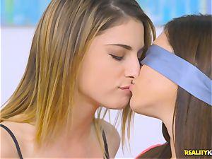 wild minge slurping lesbians Shyla Jennings and Kristen Scott