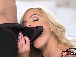 Nina Elle poon tongues Naomi woods with the cuckold bf
