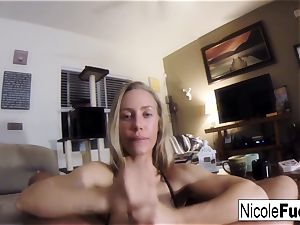 Home video of Nicole Aniston giving a pov suck Job