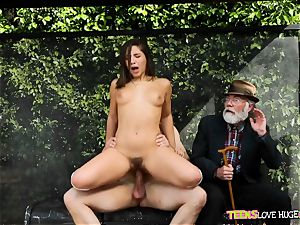 hilarious situation of gash tucked daughter and her grandpa observes at bus stop - Abella Danger and Bill Bailey