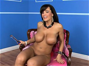 luxurious Lisa Ann catapults her faux-cock deep in her moist cunt