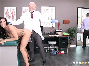 Austin Lynn pulverizes the medic in front of her fellow