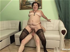 crazy mature keeps her tights on for pounding