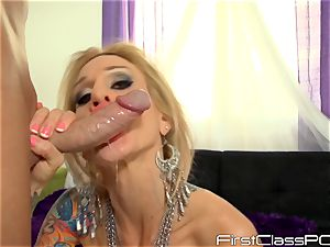 Sarah Jessie slobbers over lengthy pipe