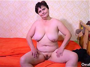 OldNanny Fatty grannies milking