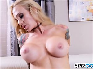 Plumber catapults his meat fuck-stick into Sarah Jessie