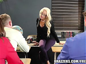 Mrs Breanna Sparks gets trained a lesson