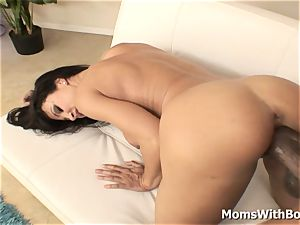 booty wondrous cougar Lisa Ann poking hard ebony pipe