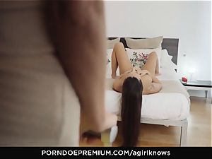A dame KNOWS - Mea Melone in powerful lesbian romp