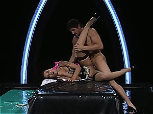 ebony honey gets frosted in spunk