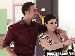 Brazzers - Sativa Rose - drilling Newlyweds!