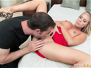 super hot wife Samantha Saint boinks her hubbies brother