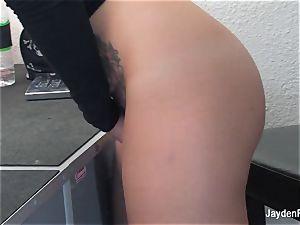 Jayden Jaymes fumbles her raw vulva