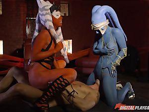 Aliens Eva Lovia and Aria Alexander take on rigid man rod