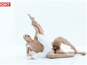 Czech ballerina opens up before powerful hookup with paramour